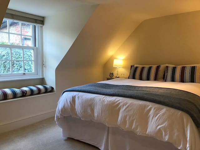 Stylish private suite in Easebourne.