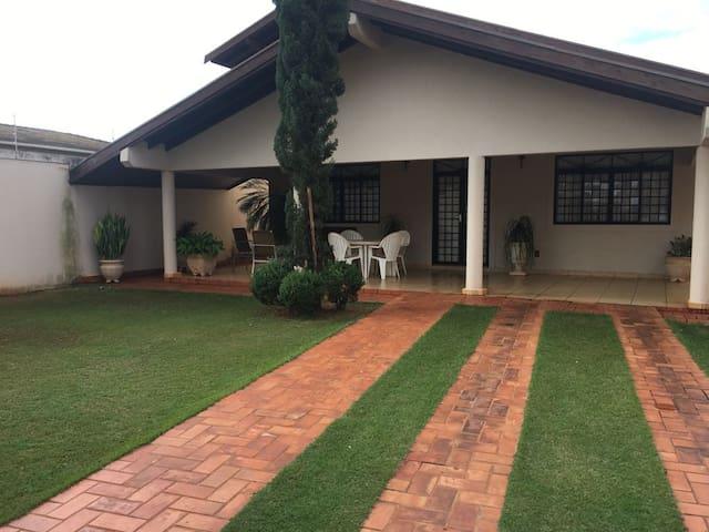 Sua casa em Barretos com excelente localização!
