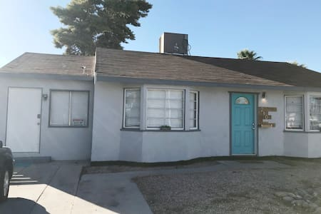 Private place close to Fremont Street! G67-00863