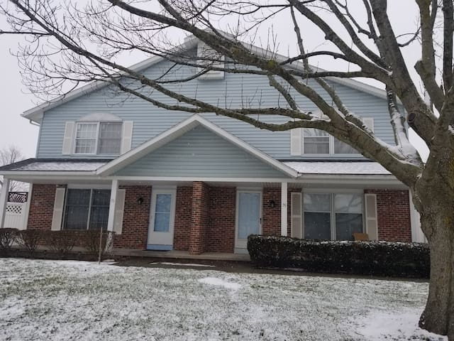 Cozy and spacious, near University of Rochester!