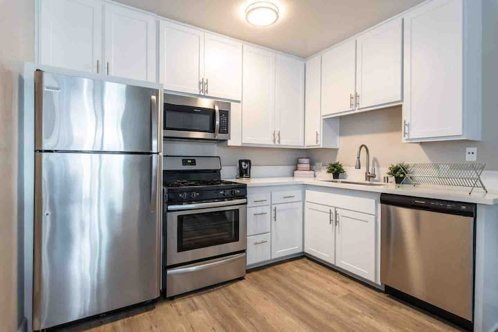 1Bed/1Bath - Accepting only 5 months long stay