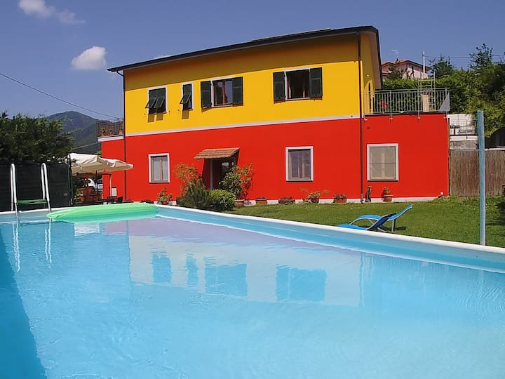 B&B VARAVVENTURA: triple room, garden and parking.