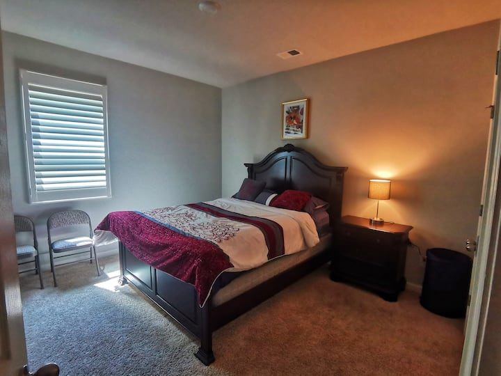 Homely stay in Loganville. Free Parking and Wi-Fi