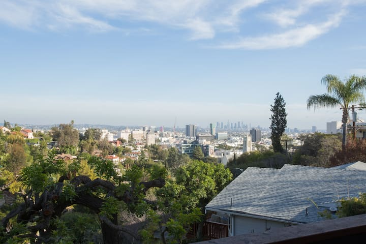 Hollywood Hills with a View! - Los Angeles - House