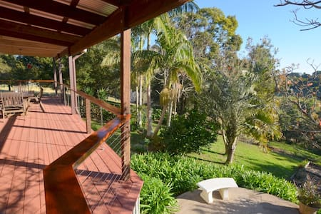 Chill out in beautiful Maleny - Reesville