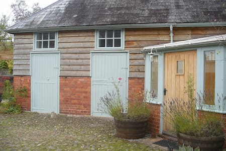 Converted stables, Builth Wells, sleeps 4 - Builth Wells - Talo
