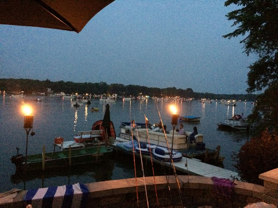 Boats positioning for 4th of July fireworks