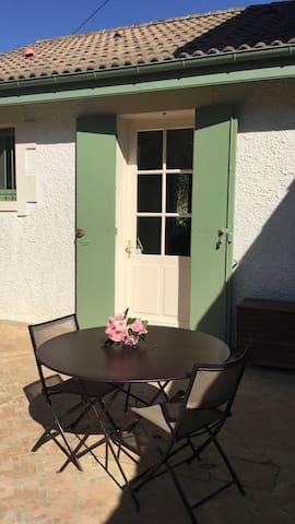 2 chambres avec accès à un tennis privatif - Belin-Béliet - Konukevi