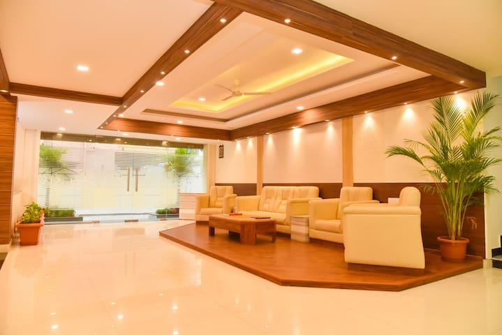 Modern Room off ORR in Green Glen Layout-Bellandur