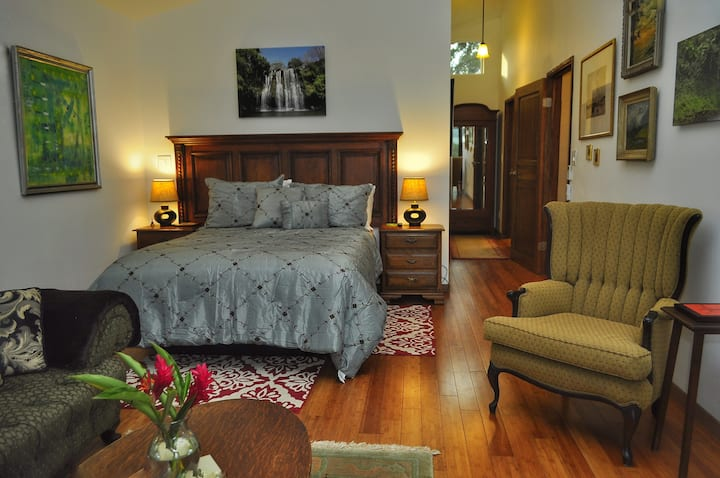 Casa Donna Rosa B&B , Luxury King Banana Suite