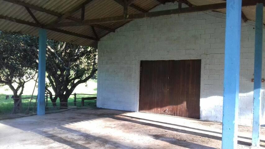 Galpão armazem ou garagem - Guararema