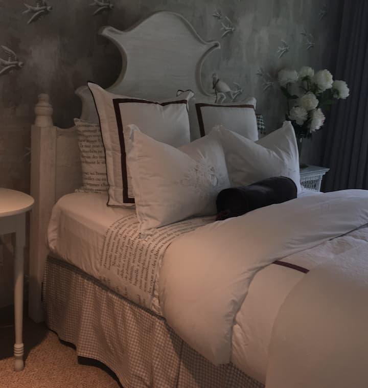 Guest Room - stunning Aspen home