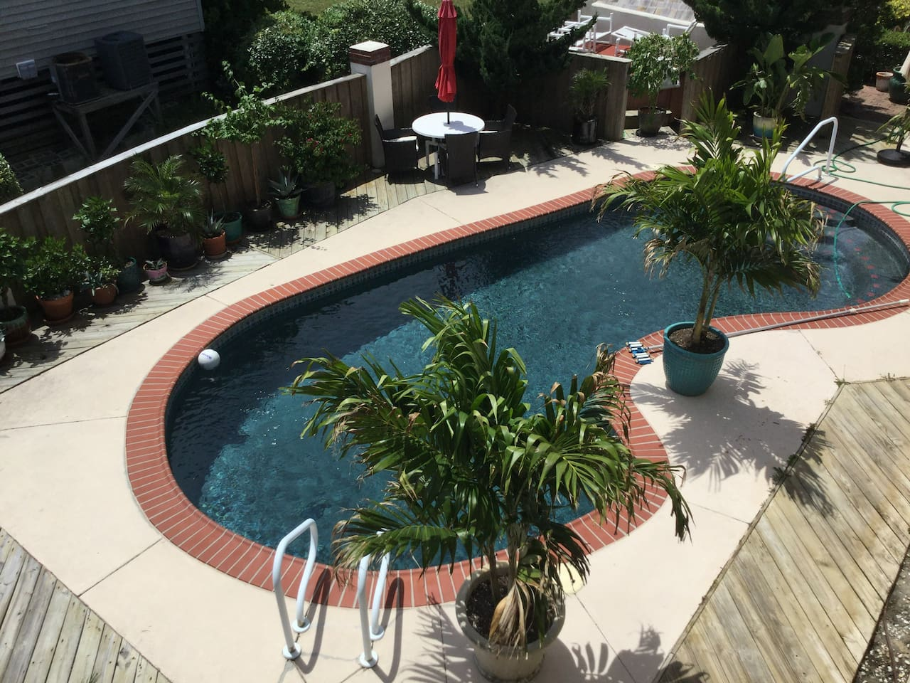 Sparkling swimming pool, golf in your backyard and the ocean a short walk away....heaven!  This warm and beautiful pool opens the second week of May.