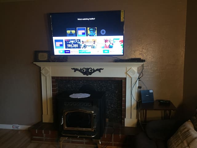 New Smart TV with Netflix