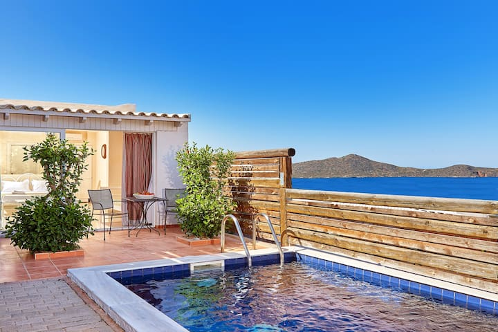 Elounda Eleon Suite with Seaview and private Pool
