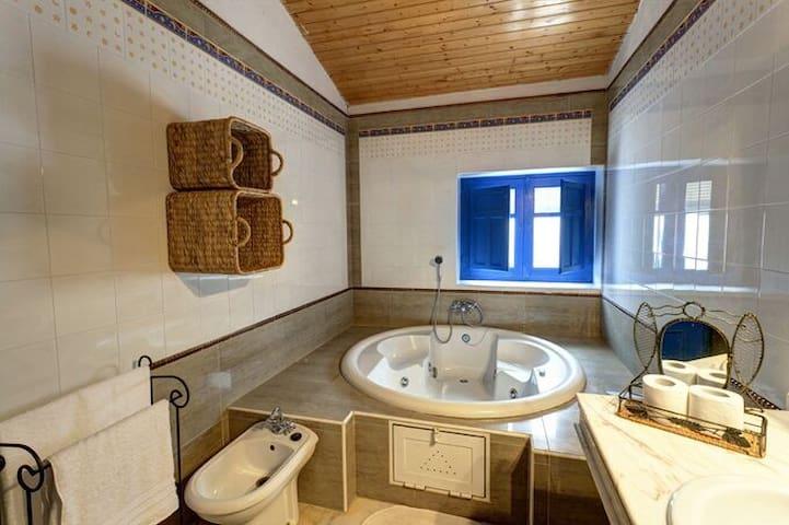 Casa con jacuzzi y piscina termal - Santa Fe - Huis