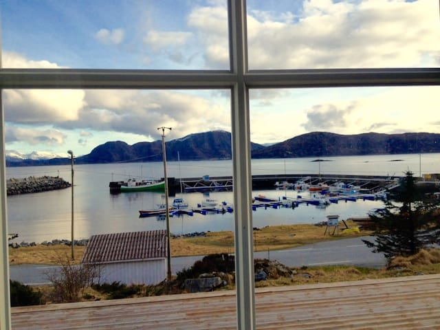 Beautiful apartment overlooking Runde Harbor