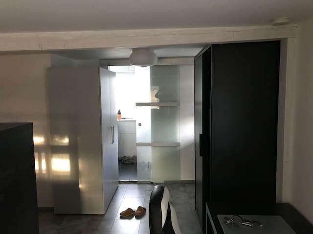 Gemütliches Zimmer, Einraumwohnung