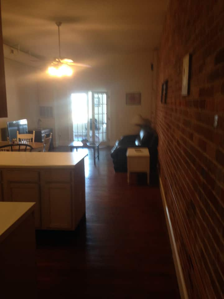 Beautiful 2 Br Apt F Downtown Loft on Front St.