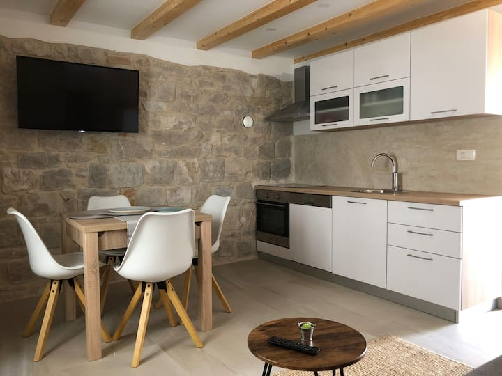 NEW stone house in the center of Split