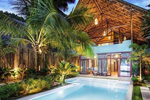 Beachfront Luxury Pool Villa with Sunset View