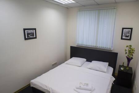 Отдельная комната: кровать KingSize - Москва - Bed & Breakfast