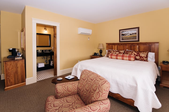 Liberty Suite - A Luxurious Boutique Hotel Close to Lynchburg