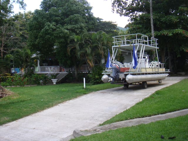 Quinta Moreno del Lago de Ilopango