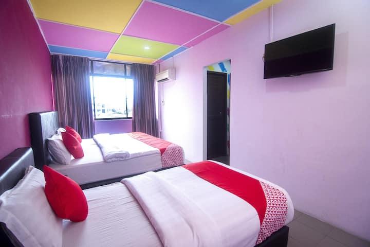 Fairlane Inn Offers Suite Triple@ Best Priced