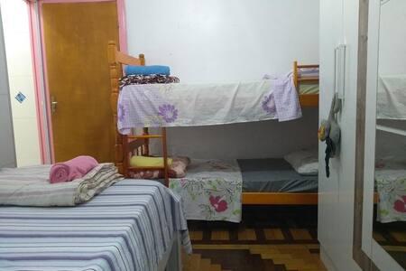 Dormitório casa familiar para descanso .