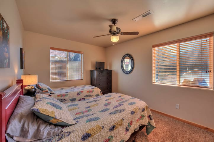 Twin bedroom with large closet
