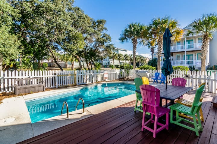 Renovated, Private POOL, Pet-Friendly, Near Beach
