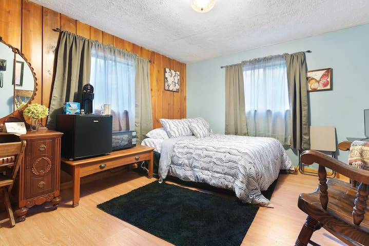 Single Bedroom Available in Fayetteville, WV