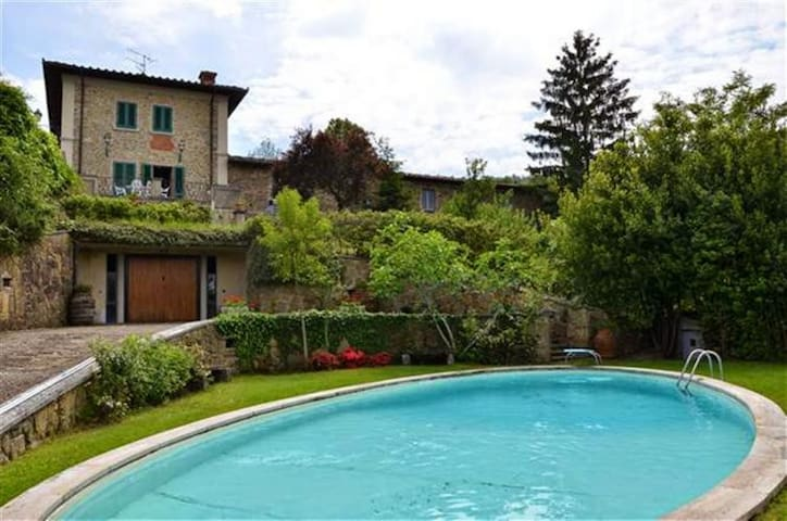 Country house with pool and panoramic terrace - Lucolena In Chianti - บ้าน