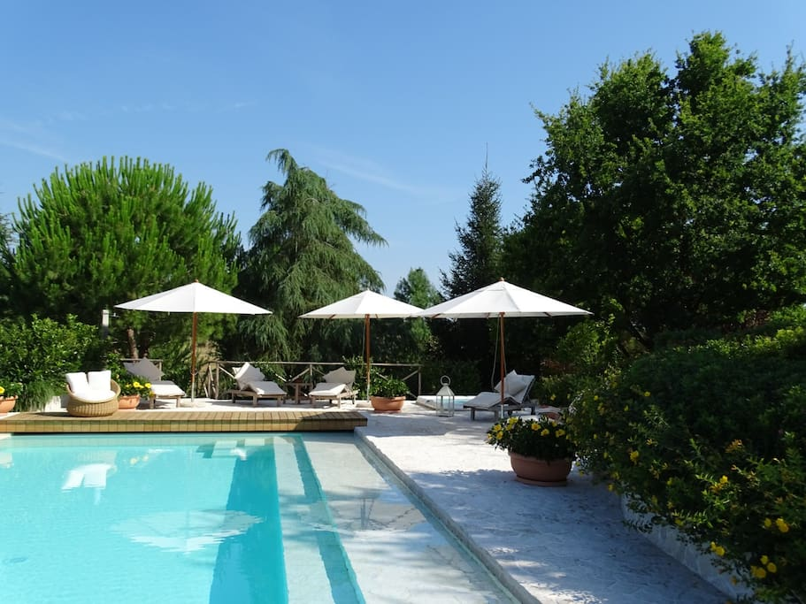Luxury 3 bedrooms duplex in a country house boutique for Boutique hotel marche