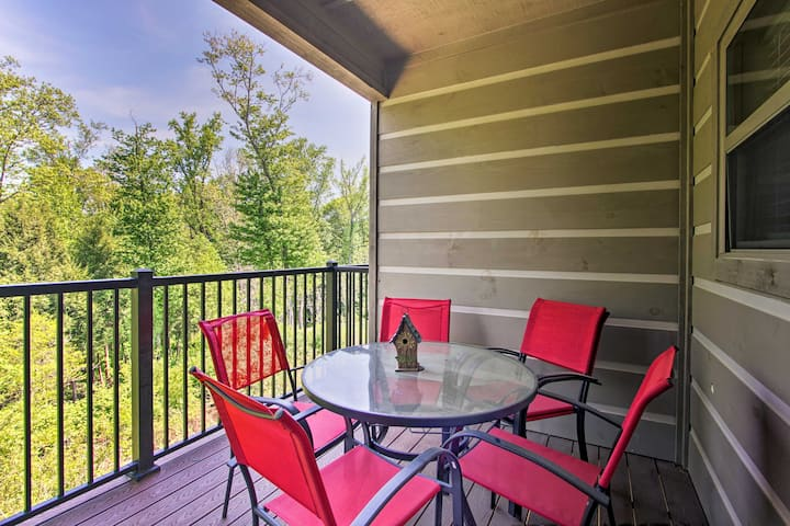 Modern Resort Condo < 6 Miles to Smoky Mtn Trails!