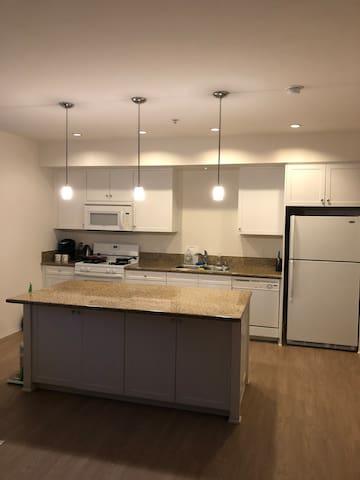 整套高档公寓1室1卫-1 bed,1bath Irvine Spectrum Appartment
