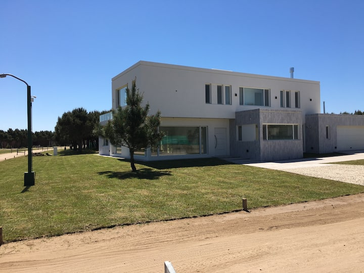Exclusiva casa en Pinamar La Herradura