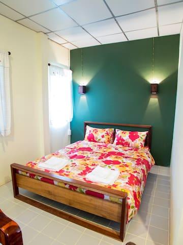 Noinhae House 1 - San Kamphaeng - Bed & Breakfast
