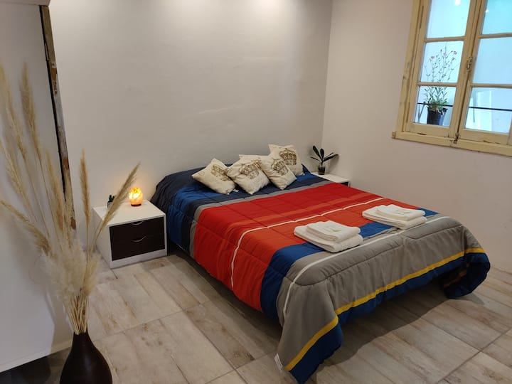 Jakob - Newly Renovated Apartment In Downtown Bari