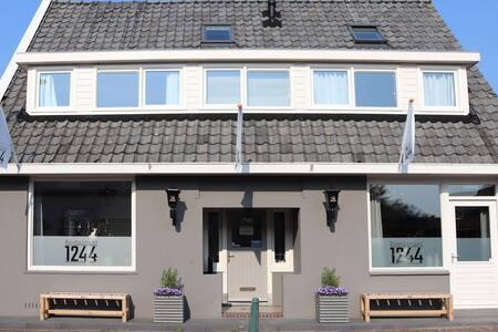 B&B Ankeveense Plassen, direct aan de plassen