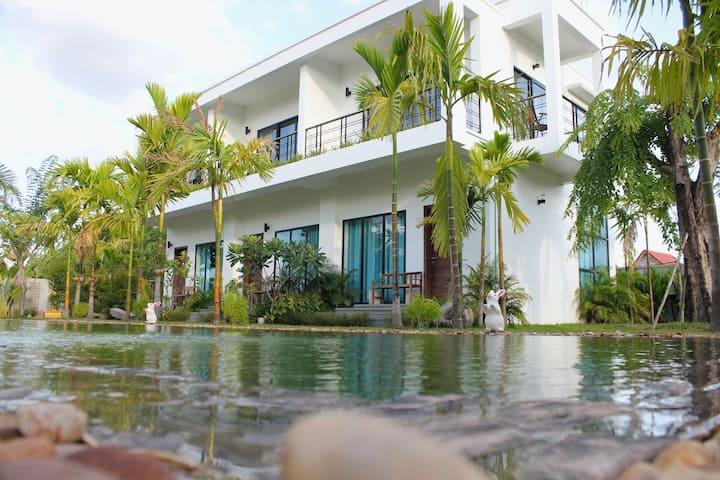 Modern 3 separated Villas, 3 bedroom, Best f/Group