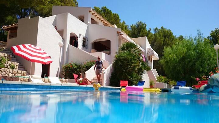 Villa con piscina privada en campo de golf