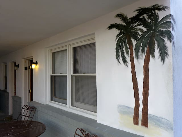 Cozy 1BD with Parking Included