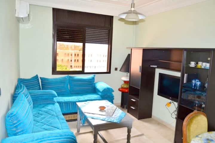 Apartment with one bedroom in Marrakech, with wonderful mountain view, furnished garden and WiFi