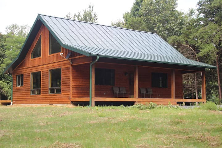 Gorgeous New Cabin! Secluded,Hottub,Fireplace,Wifi - Rileyville - Cabane