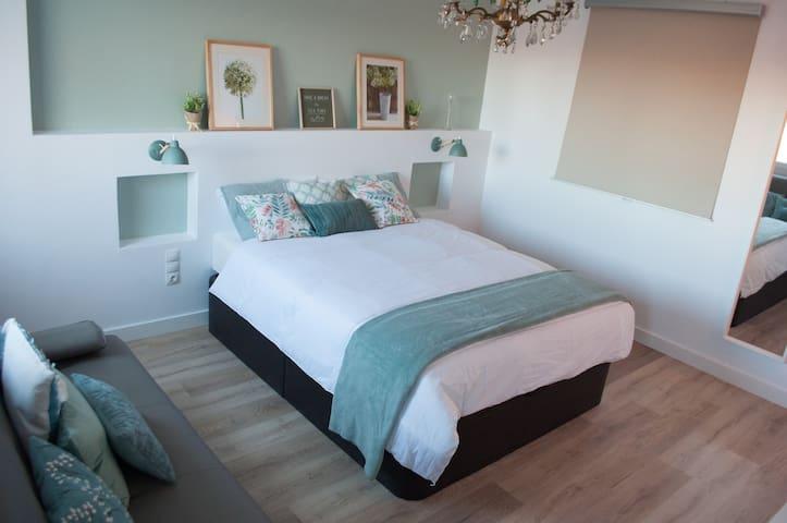 Espaciosa y confortable habitación baño incluido
