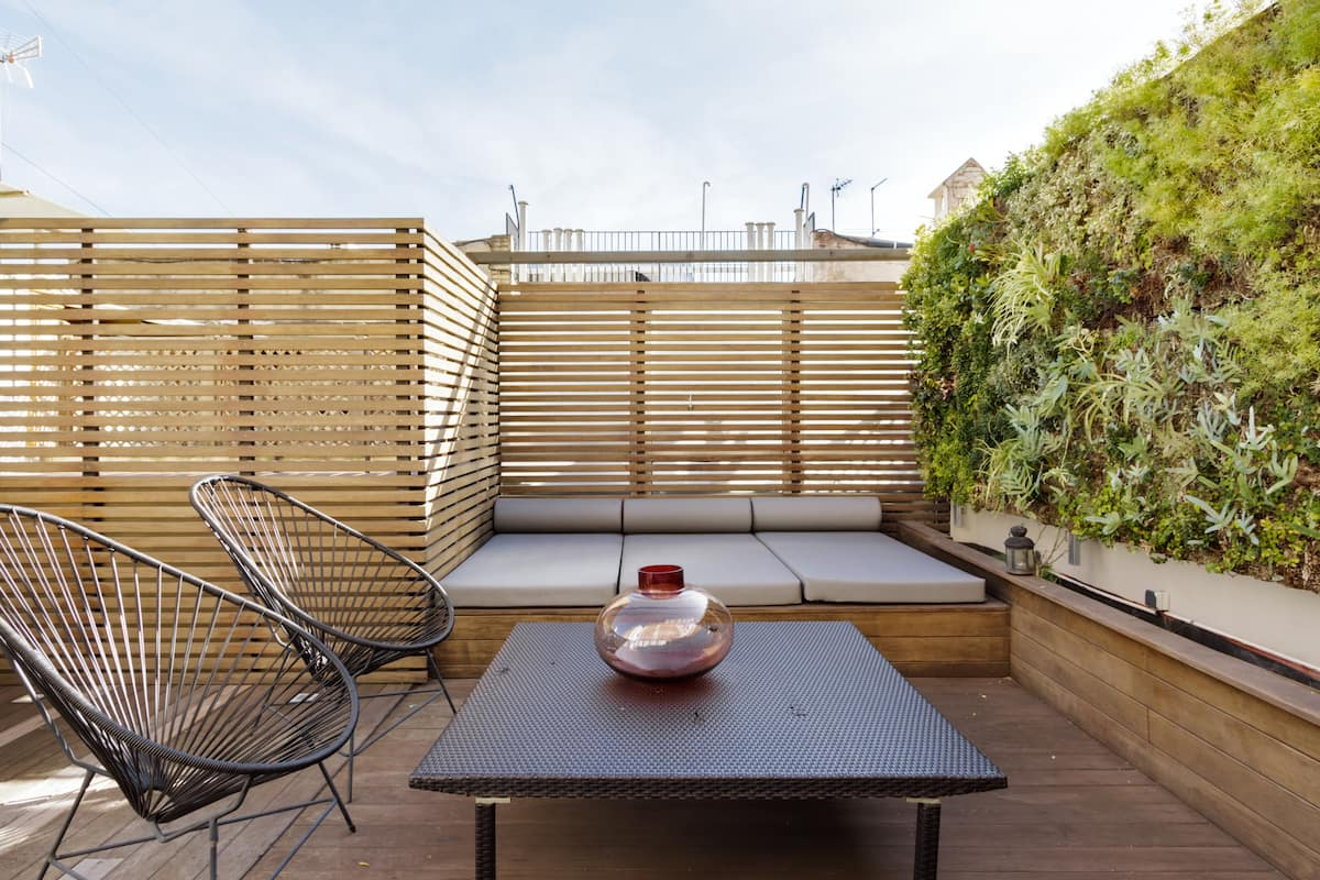Central Duplex with Private Terrace