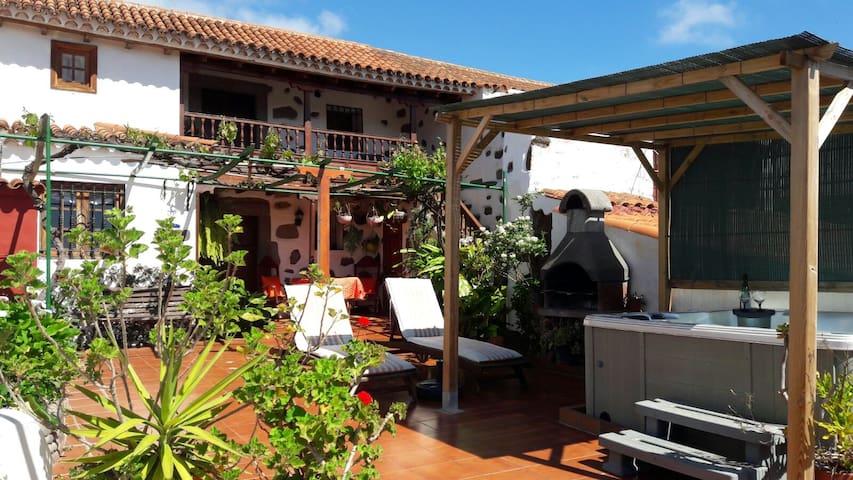 casa rural amplia con jacuzzi  Santa brigida - Vega de San Mateo - Rumah