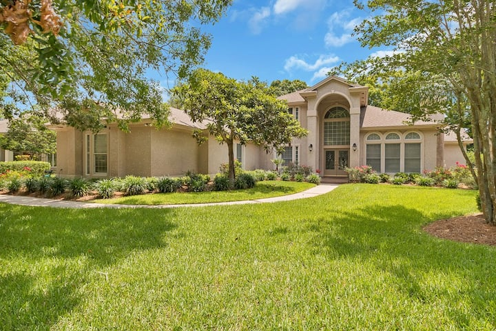 Spacious Pool Home in Sawgrass Country Club!